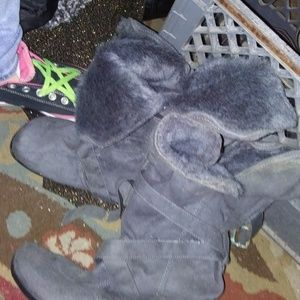 Shoes - Ladies Grey Casual Winter Boots Sz 9